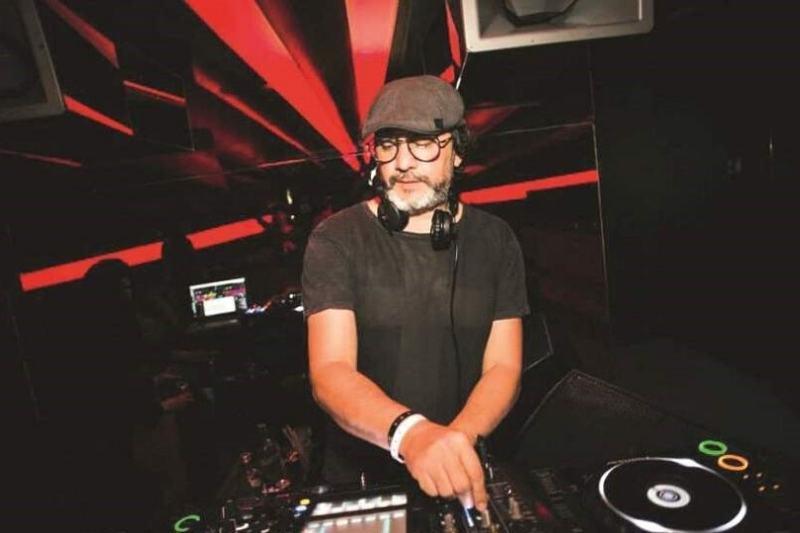 DJ Cézar Dantas é o terceiro a se apresentar na 'Sunset Sension Live', às 17h30 (Foto: Divulgação)