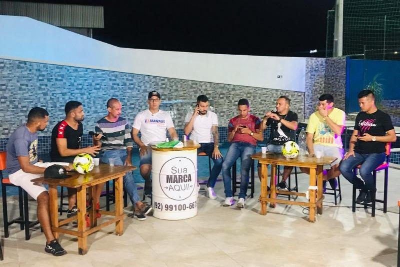 Na edição de estreia, a Live Solidária' reuniu jogadores do futebol amador para uma 'resenha' (Foto: Divulgação/Esporte Manaus)