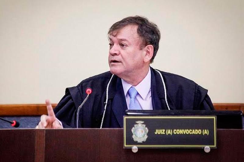 Ernesto Anselmo Queiróz Chíxaro