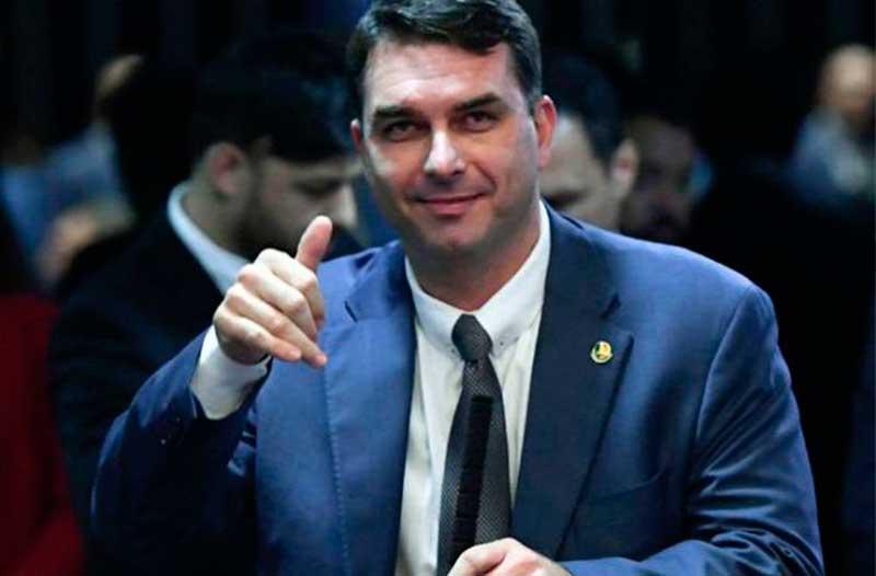 Flávio Bolsonaro é investigado por suspeita de recolher parte do salário de seus empregados na Assembleia Legislativa do Rio de 2007 a 2018 (Foto: Agência Senado/Divulgação)
