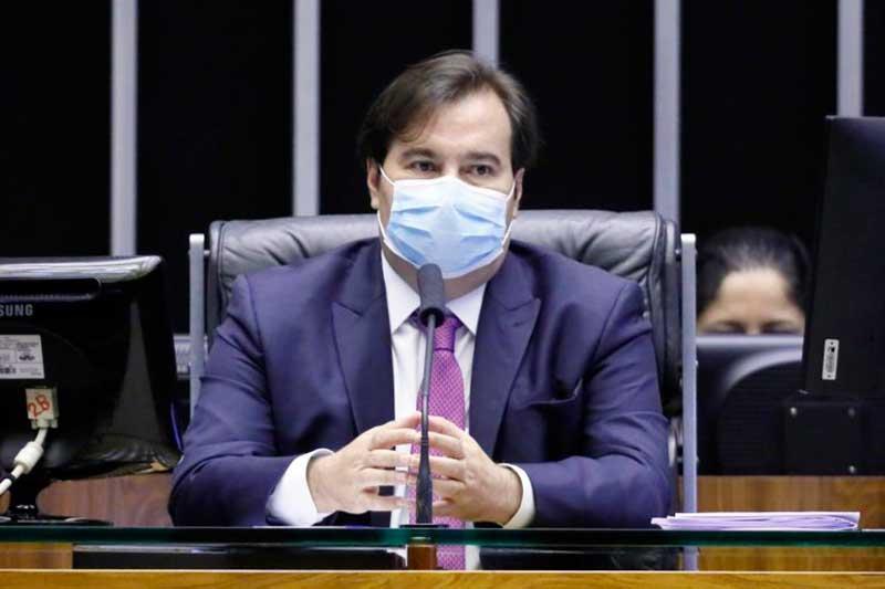 Rodrigo Maia disse que ao alterar os números, o 'Ministério da Saúde tapa o sol com a peneira' (Foto: Najara Araujo/Câmara dos Deputados)