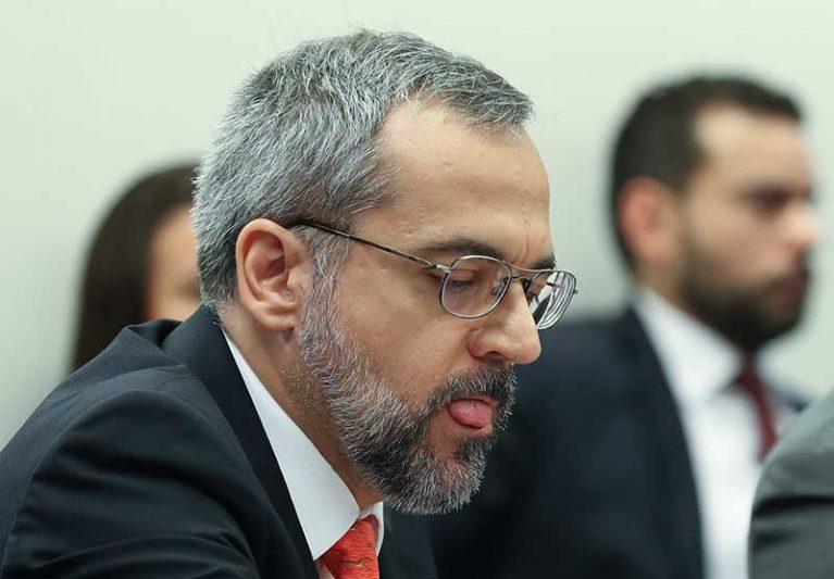 Ministro da Educação, Abraham Weintraub desobedeceu ao decreto que determina o uso obrigatório de máscaras em vias públicas (Foto: Lula Marques/Fotos Públicas)