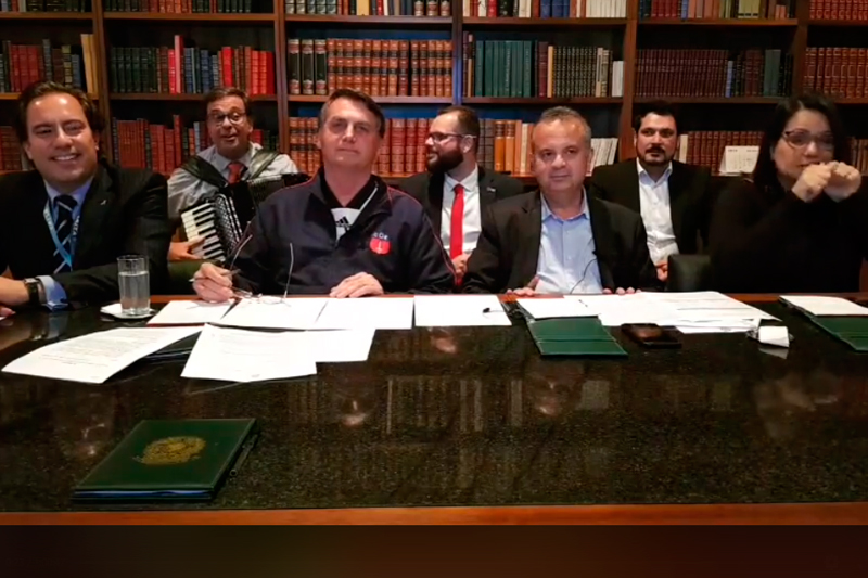 Jair Bolsonaro live semanal
