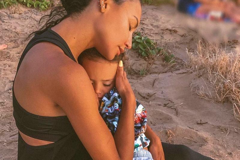 O filho da atriz, Josey, disse que ele e a mãe nadavam juntos (Foto: Reprodução/Instagram/@nayarivera)