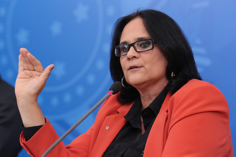 Damares Alves, ministra