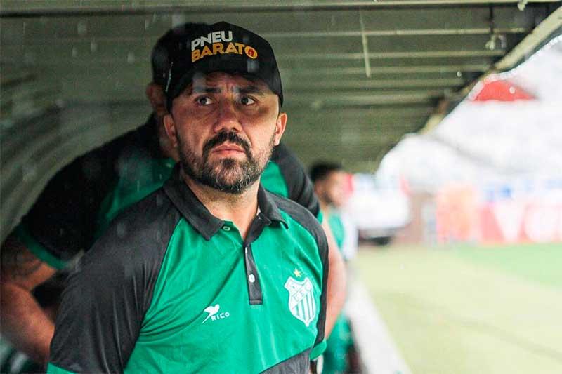Luizinho Lopes técnico do Manaus FC