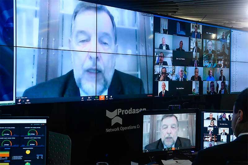 Senador Flávio Arns é o relator no projeto (Foto: Jane de Araújo/Agência Senado)