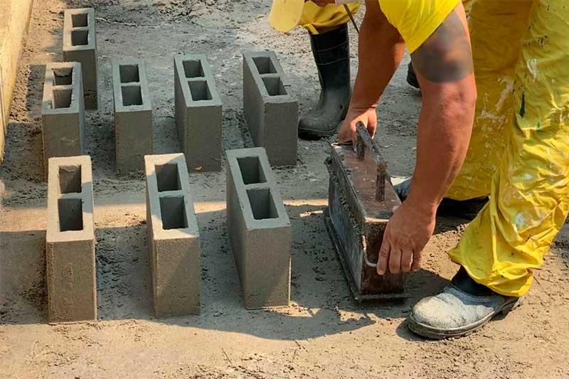 Compaj presos fabricam blocos de cimento - Foto SSP-AM Divulgação
