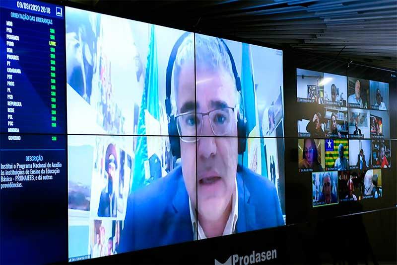 Senador Eduardo Girão apresentou manifesto (Foto: Marcos Oliveira/Agência Senado)