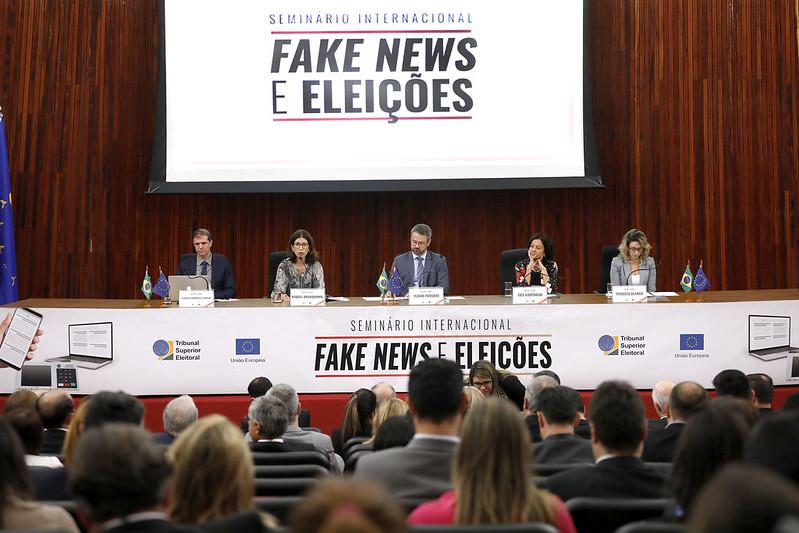 Seminário sobre Fake News TSE