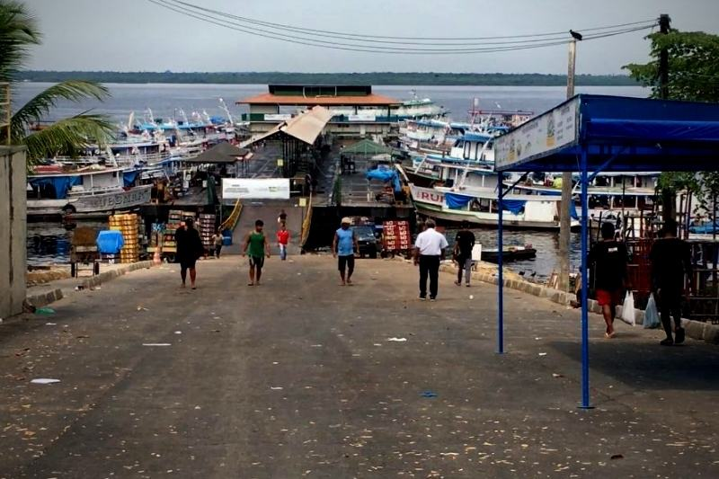 Insalubridade, abandono e desorganização comprometem funcionamento de Terminal Pesqueiro em Manaus (Foto: Murilo Rodrigues/ATUAL)