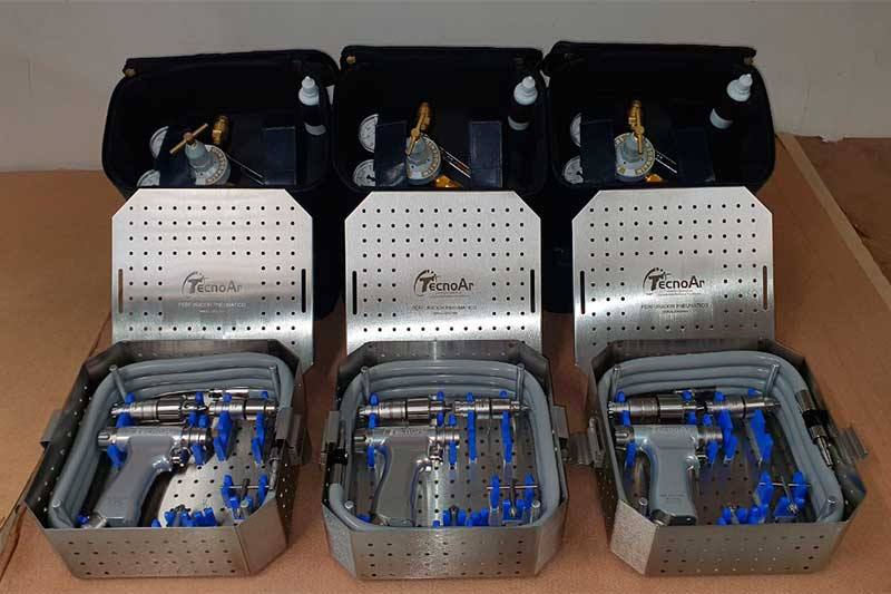 Aparelhos perfuradores para cirurgias ortopédicas (Foto: Rodrigo Santos/Secom)