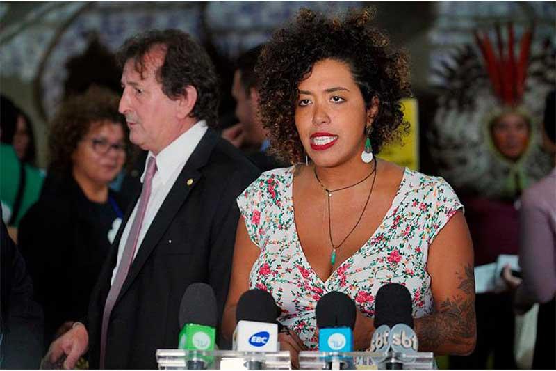 Deputada Talita Petrone (Foto: Pablo Valadares/Agência Câmara)