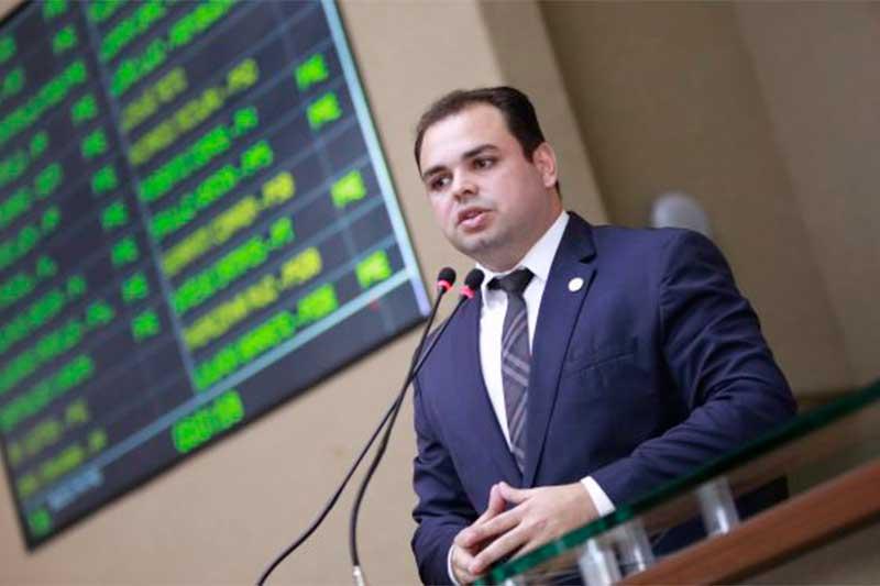 Deputado Roberto Cidade apresentou projeto de lei (Foto: Danilo Melo/Ascom ALE)