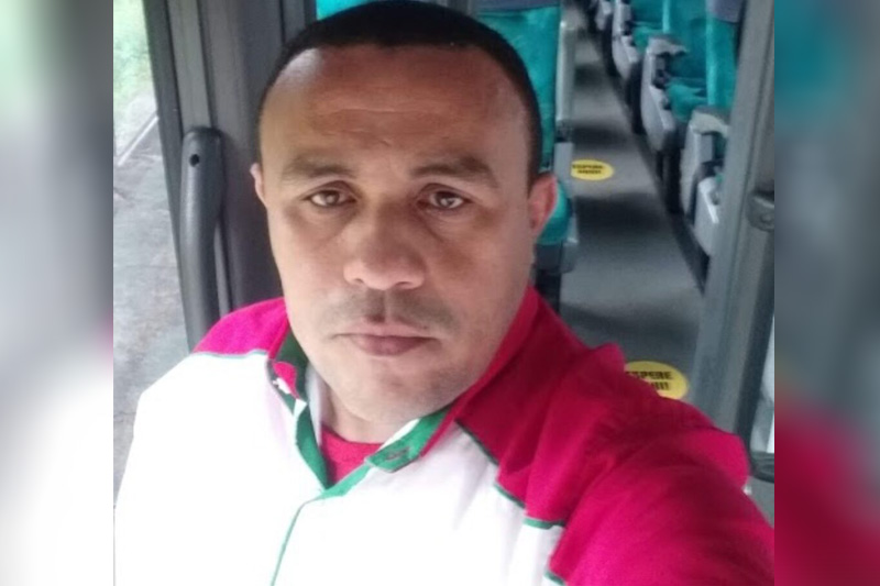 """A Polícia Civil do Amazonas prendeu três adolescentes entre 16 e 17 anos e um maior de idade na operação """"Astreia"""" nesta quinta-feira , 29, no bairro Zumbi dos Palmares, zona leste de Manaus. Eles são acusados de participar da morte do motorista de aplicativo José Roberto da Silva Ferreira, 42. O crime ocorreu na madrugada do dia 18 deste mês, enquanto a vítima trabalhava."""