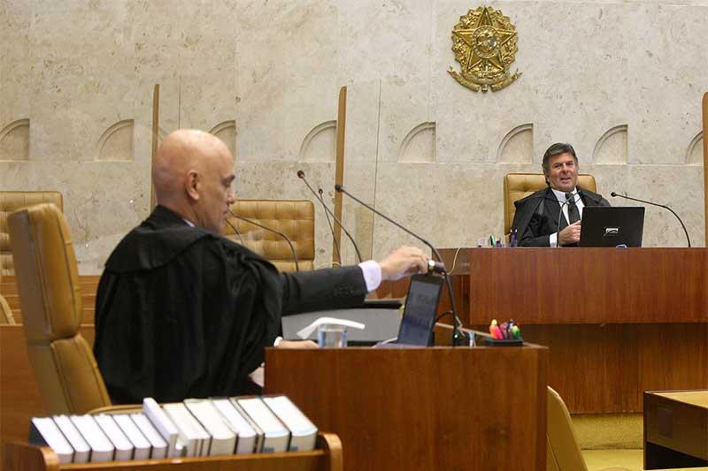 Alexandre de Moraes e Luiz Fux no plenário do STF: decisão sobre liberdade religiosa (Foto: Nelson Jr/SCO STF)