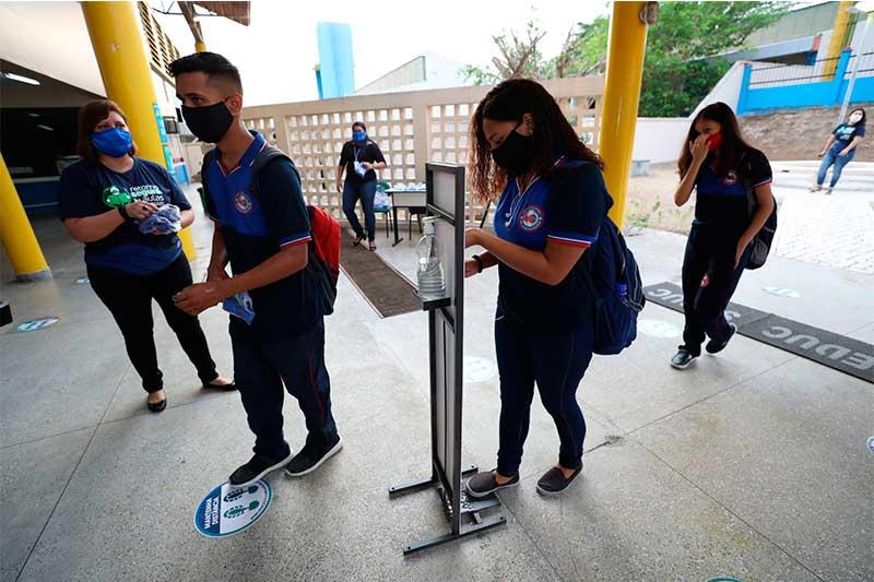 Alunos retornam às aulas no interior do Amazonas (Foto: Tácio Melo/Secom)