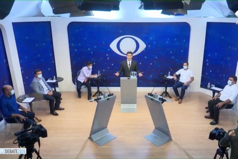 Candidatos a prefeito de Itacoatiara no debate (Foto: Reprodução/Facebook/Band Amazonas)