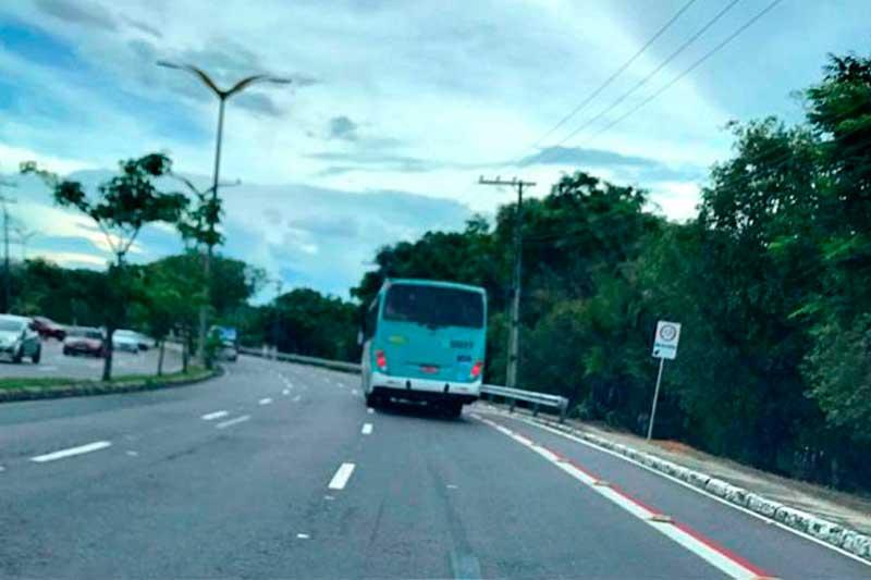 Ciclovia implicou no estreitamento da pista (Foto: MP-AM)