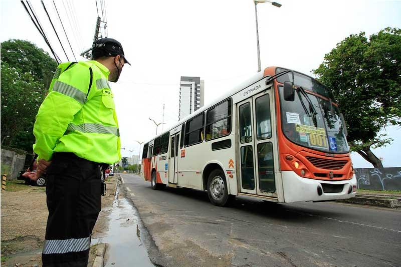 Ônibus serão gratuitos também no domingo, 29 (Foto: Márcio James/Semcom)