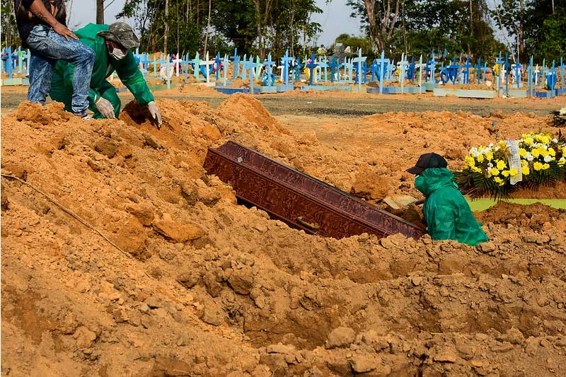 Dos 50 sepultamentos, cinco foram de vítimas da Covid-19 (Foto: Ingrid Anne/Semcom)