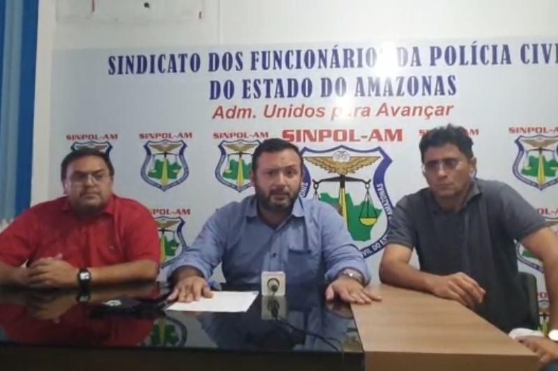 Jaime Lopes (centro) com Renato Bessa (vice, à esquerda) e Moacir (diretor de patrimônio) - Foto: Reprodução