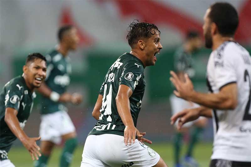Gustavo Scarpa comemora gol em jogo da Libertadores (Foto: Cesar Greco/Palmeiras)