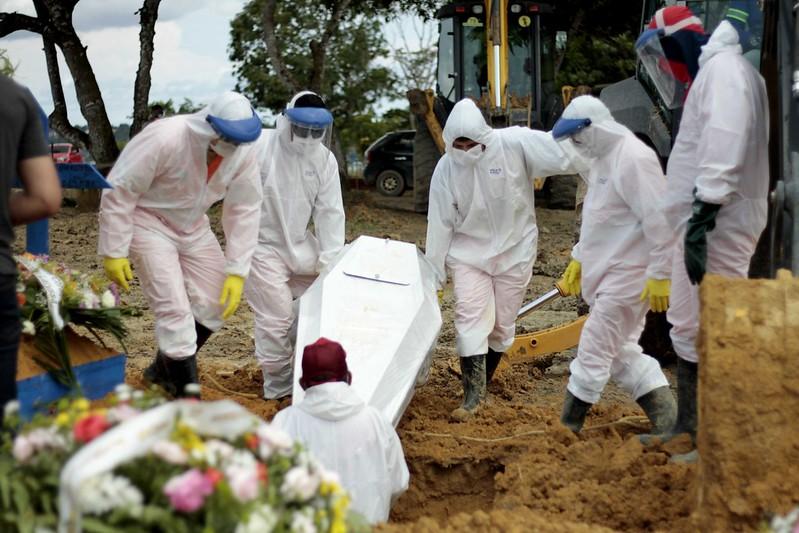 enterros em Manaus - foto - Altemar Alcântara - Semcom