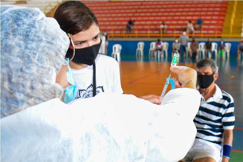 Aplicação de vacina: segunda dose será por agendamento (Foto: Valdo Leão/Semcom PMM)