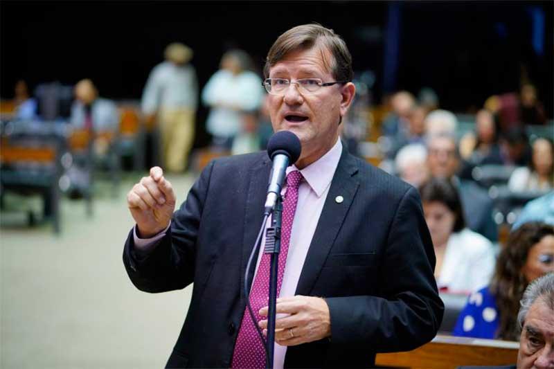 Deputado José Ricardo quer prorrogação do auxílio (Foto: Pablo Valadares/Agência Câmara)