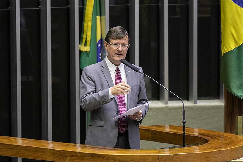 Deputado José Ricardo diz que projeto é para corrigir equívoco do governo federal (Foto: Divulgação)