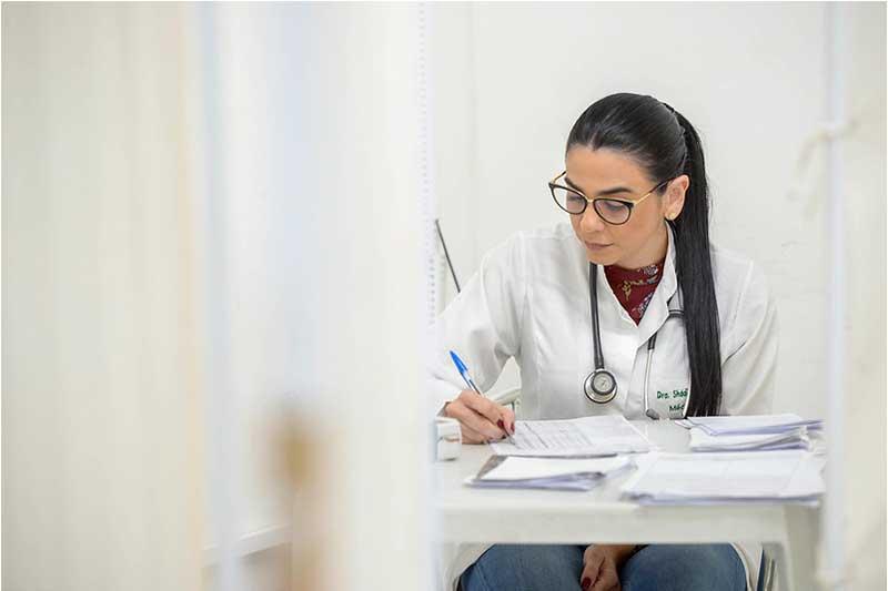 Secretária Shadia Fraxe pediu licença médica (Foto: Alex Pazuello/PMM Semco)