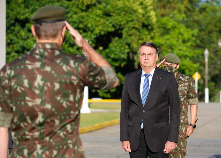 Bolsonaro em formatura militar