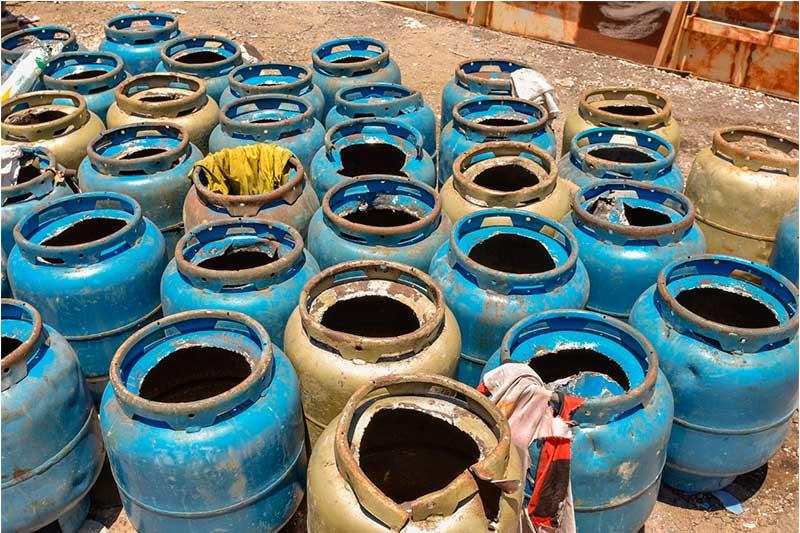 Botijas de gás continham drogas como maconha e cocaína (Foto: Erlon odrigues/SSP-AM)