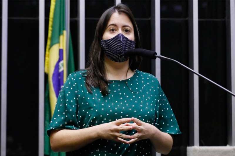 Deputada Sâmia Bonfim apresentou o projeto de lei (Foto: Maryanna Oliveira/Agência Câmara)