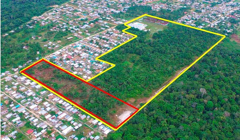 linha amarela indica extensão do terreno e a vermelha a área invadida (Foto: Procuradoria Federal/Divulgação)
