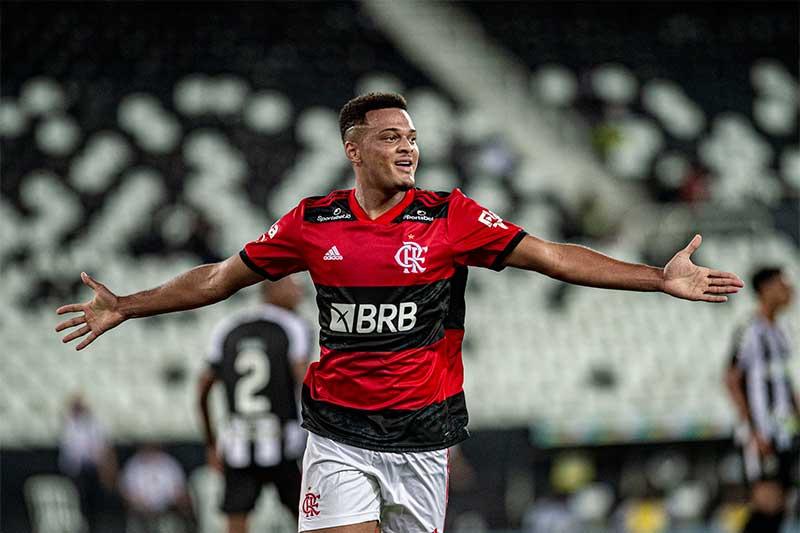 Rodrigo Muniz marcou um dos gols do Flamengo (Foto: Marcelo Cortes/CRF)