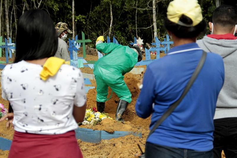 Sepultamento em Manaus