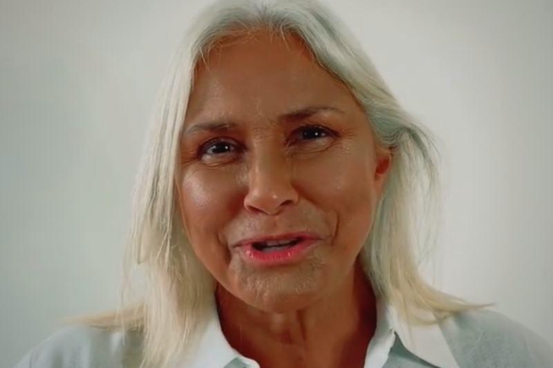 Em vídeo, Fafá de Belém pede desculpas por assumir cabelos grisalhos (Foto: Reprodução/Instagram/@fafadbelem)
