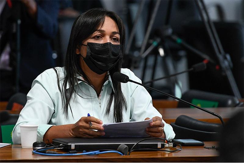Eliziane Gama é uma das senadoras que se reverzam na CPI (Foto: Edilson Rodrigues/Agência Senado)