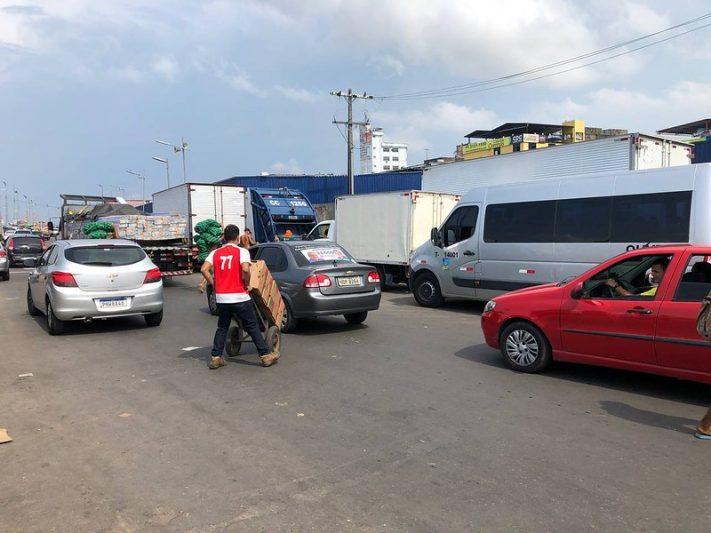 Trânsito intenso na Avenida Manaus Moderna irrita motoristas no Centro de Manaus (Foto: Murilo Rodrigues/ATUAL)
