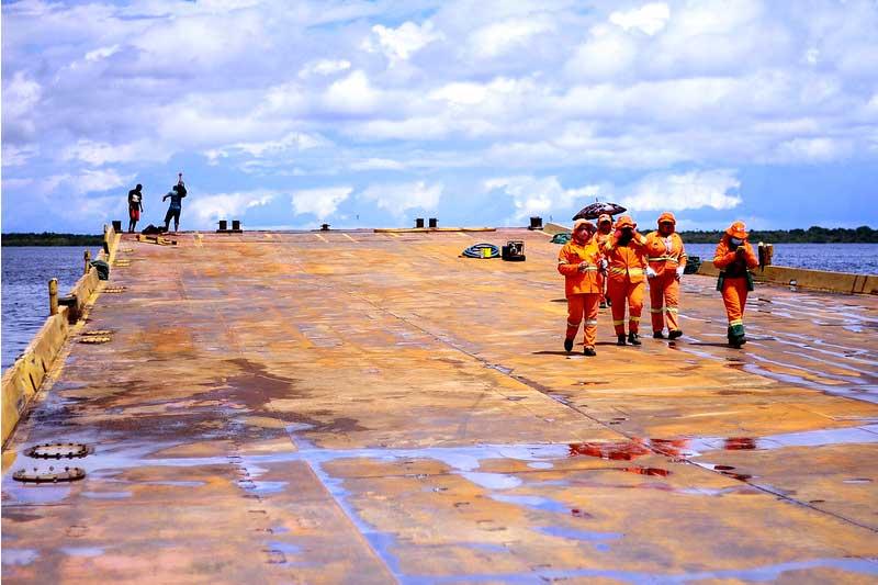 Balsa abrigará feirantes afetados pela cheia no Centro de Manaus (Foto: Valdo Leão/PMM Semcom)