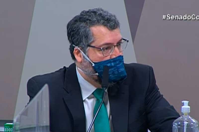 Ernesto Araújo depõe na CPI da Covid-19 (Foto: TV Senado/Reprodução)