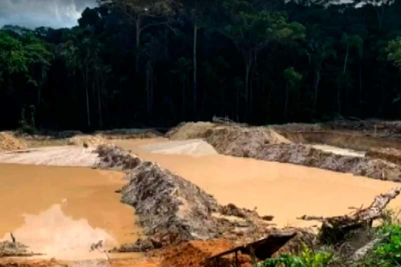 Garimpo em terra indígena no Pará: conflito entre garimpeiros e indígenas (Foto: PF/Divulgação)