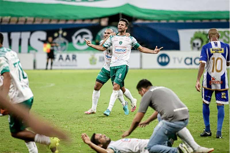 Jogadores do Manaus festejam gol do título (Foto: João Normando/FAF)