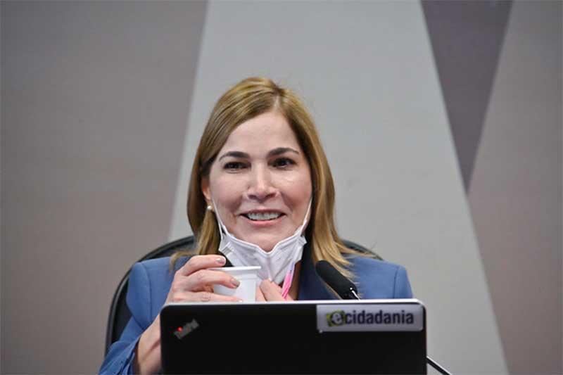 Mayra Pinheiro diz que fez crítica à Fiocruz (Foto: Jefferson Rudy/Agência Senado)