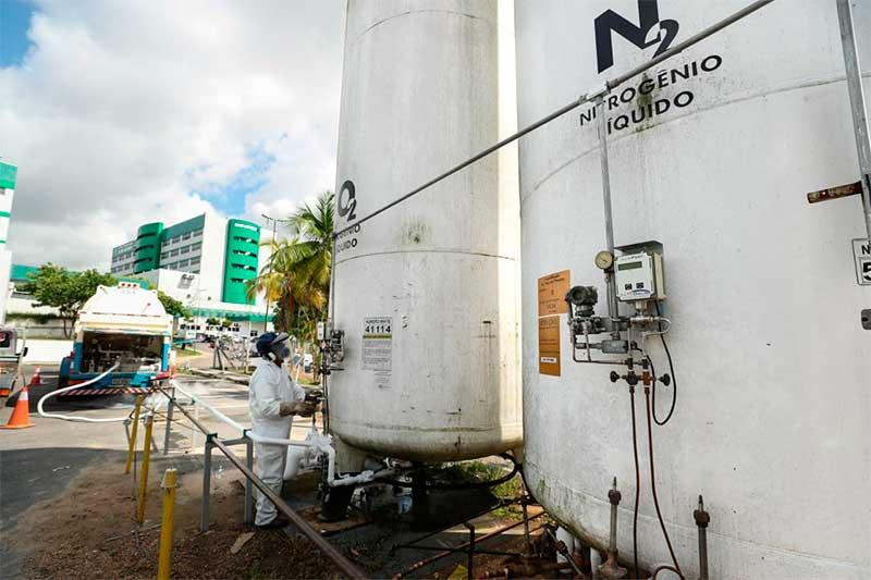 Cilindros de oxigênio da White Martins em hospital de Manaus (Foto: Gov. AM Secom/Divulgação)