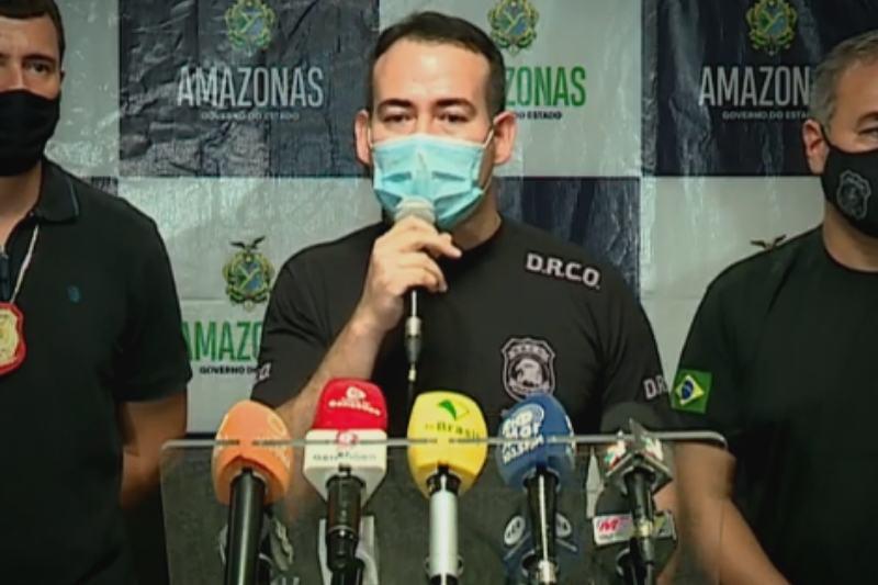 Em entrevista coletiva, delegado Rafael Guevara explica prisão de Bruno e Bruninho (Foto: Reprodução/Facebook)