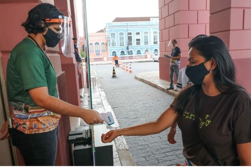 Visitantes precisam agenda ida ao teatro pelo Portal da Cultura e seguir protocolos sanitários (Foto: Michael Dantas)