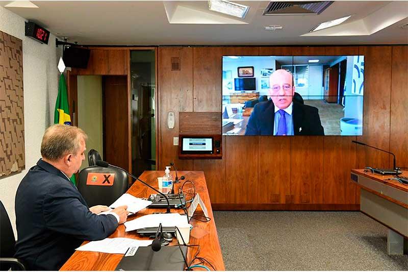 Senador Isalci Nunes e Augusto Nardes, do TCU: mais rapidez em análise de ações (Foto: Roque de Sá/Agência Senado)